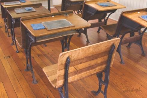 IMG_4729 vintage.desks.vntg_smw2